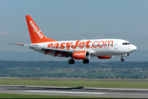 EasyJet lancia l'iniziativa: tantissimi voli scontati per San Valentino